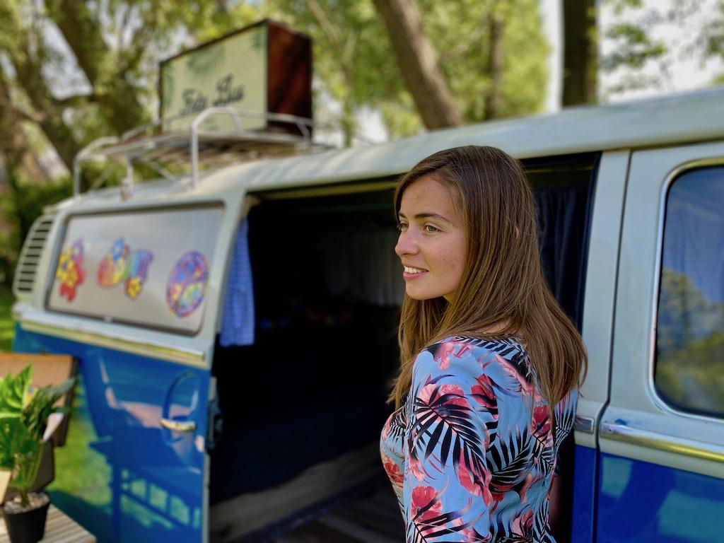 Volkswagen-Photobooth-bus