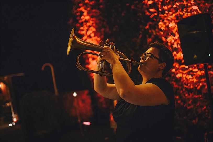 Jazz band als achtergrondmuziek voor uw receptie boeken? Bekijk en beluister live band 'Hors Catégorie'. Live band voor uw receptie!