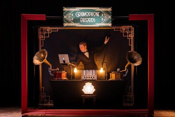 Retro DJ boeken voor jullie huwelijk? Ontdek het Great Gatsby DJ concept hier!