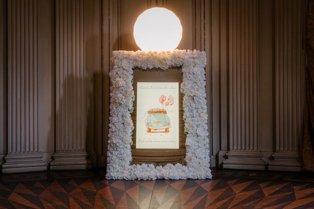 Magic-Mirror-Photobooth-huren-huwelijk