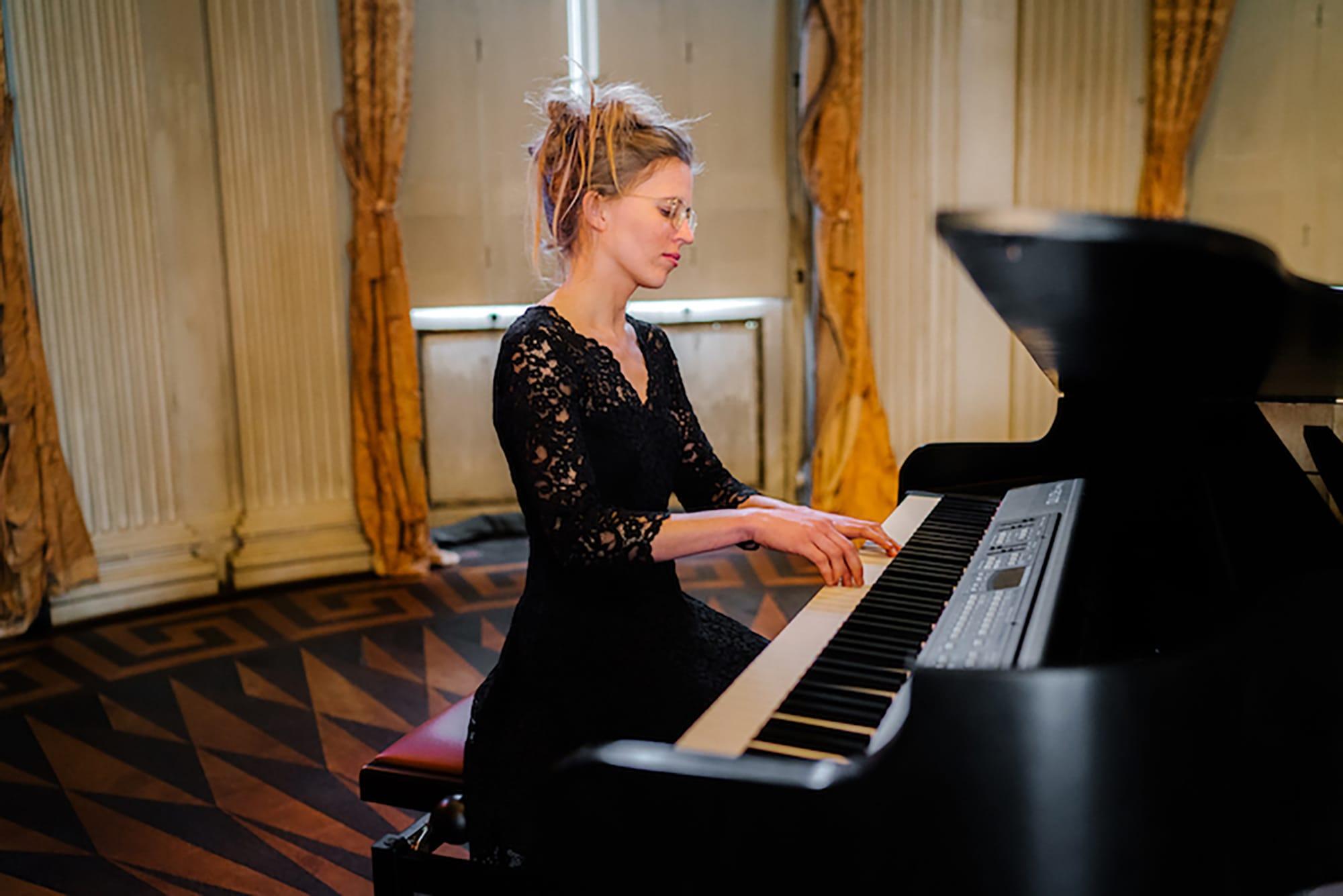 Pianist-huren-west-vlaanderen-limburg