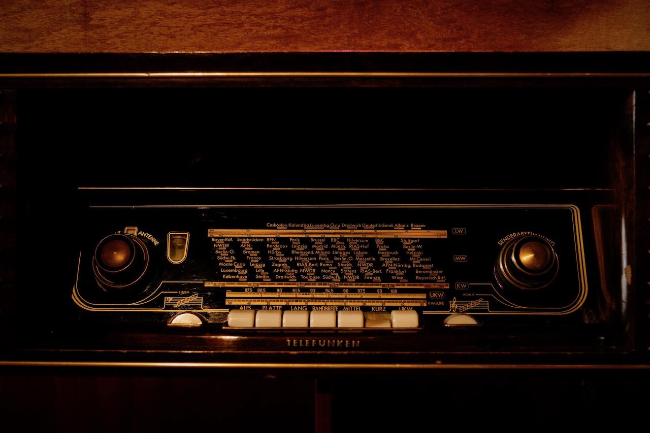 Vintage-DJ-Booth-boeken-voor-huwelijk